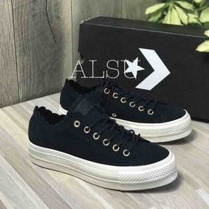 NWT Converse Lift Low Top Suede Black W AUTHENTIC